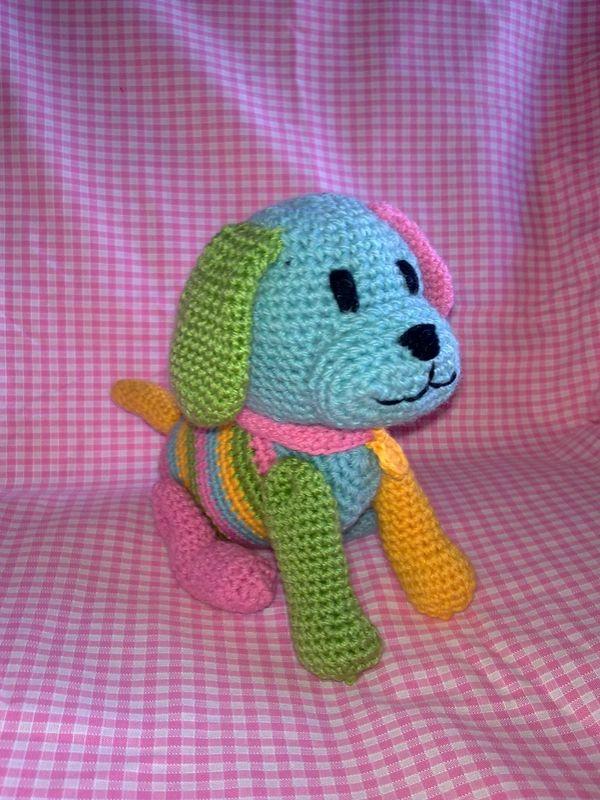 Sparky, le petit chien gentil, d'après un modèle de Sheila Leslie