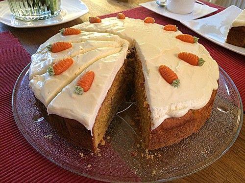 Karottenkuchen, Rüblikuchen oder Möhrenkuchen, ein raffiniertes Rezept aus der Kategorie Backen. Bewertungen: 241. Durchschnitt: Ø 4,6.