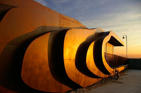 East Beach Cafe, Littlehampton West Sussex. Thomas Heatherwick, 2008.