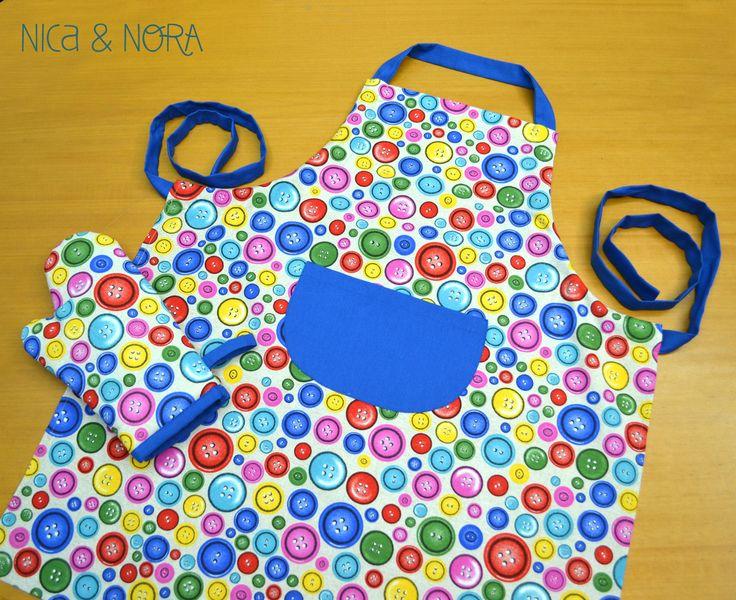 Delantal Botones + guante, un regalo divertido y colorido para los amantes de la cocina que está disponible en nuestra tienda online www.nicaynora.com