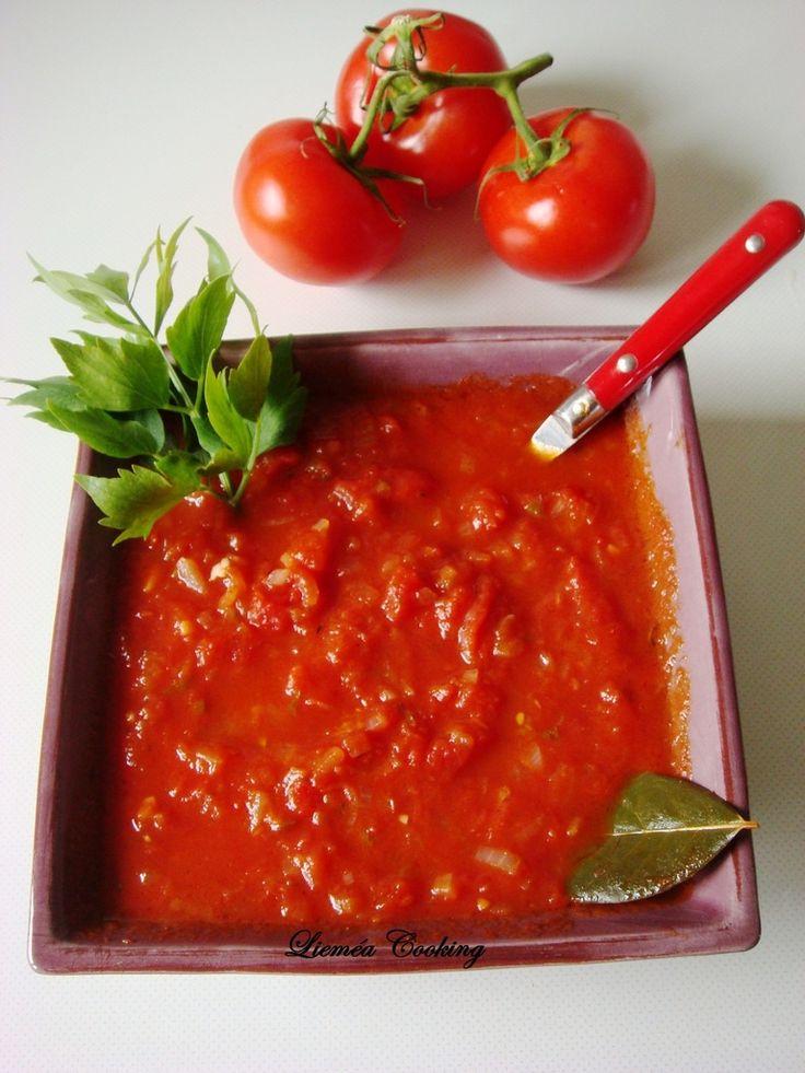 Rien ne vaut une VRAIE sauce tomate maison ! Alors suivez la recette…