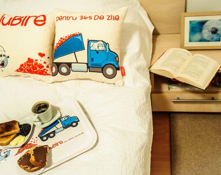 """Iubire pentru 365 de zile"" Pair-Pillows #valentines #valentinesday #dragobete #love #boy #girl #home #cosy #comfort #cute #characters #gift #couple #interiordeco #design"