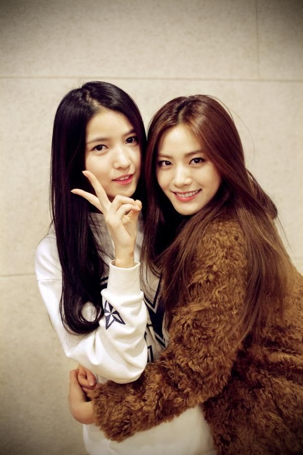 G-Friend Sowon and Nana