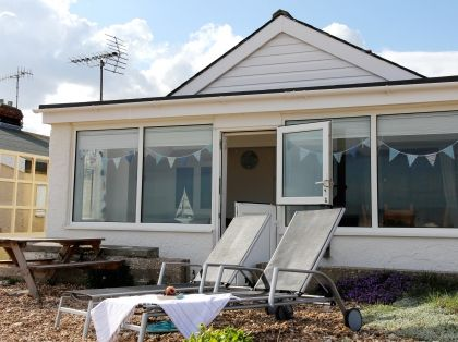 Pagham Beach Front Self Catering Cottage, Sussex