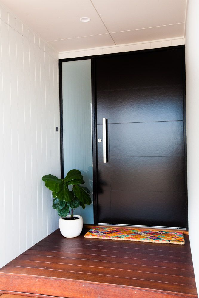 Shepperd Building Company / Stunning Contemporary Design / Entry Door