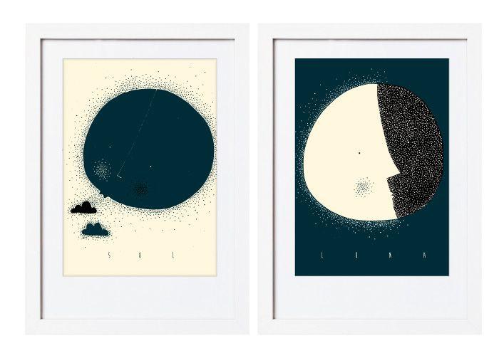 Měsíc, slunce... modrý inkoust. Série dvou autorských plakátů ve formátu A3++ (320 x 450 mm). Gramáž 150g/m2, kvalitní digitální reprodukce originální ilustrace. Prodej bez rámu. V interiéru jsou nafoceny plakáty v šedohnědé variantě. Pokud chcete svoji reprodukci podepsat (nebo věnovat), napište mi poznámku k objednávce. Plakáty posíláme pečlivě srolované v ...