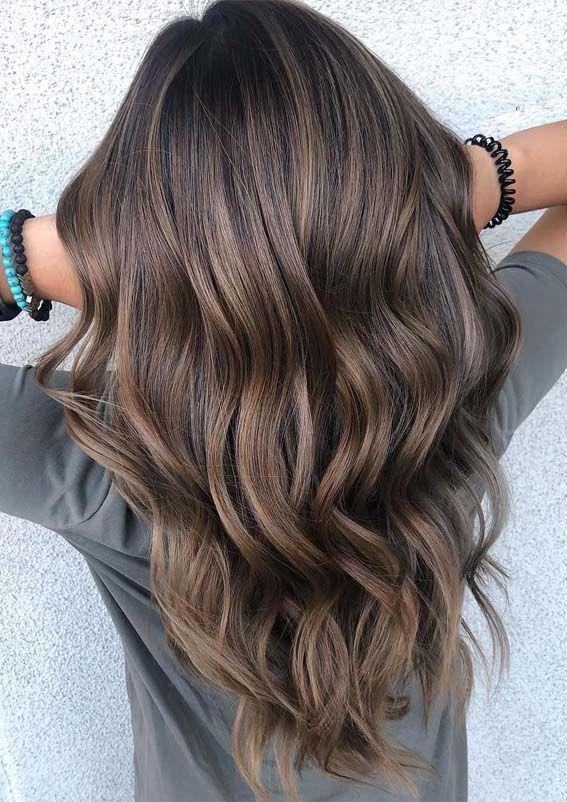 15 meilleures couleurs de cheveux bruns de balayage avec des tons de cendre en 2019