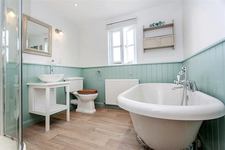 Lilac Cottage, near South Pool, South Devon, has just been beautifully refurbished throughout - just look at this beautiful bathroom
