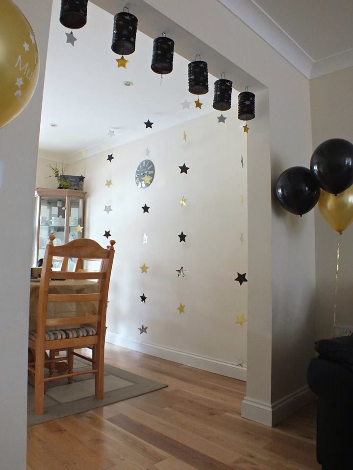 Streamers & balloons
