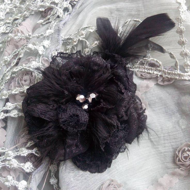 43 отметок «Нравится», 4 комментариев — Elena Komarova (@philadella) в Instagram: «Брошь из ткани ручной работы. #handmadebrooch #handmadegifts #handmade #brooch #brooches…»