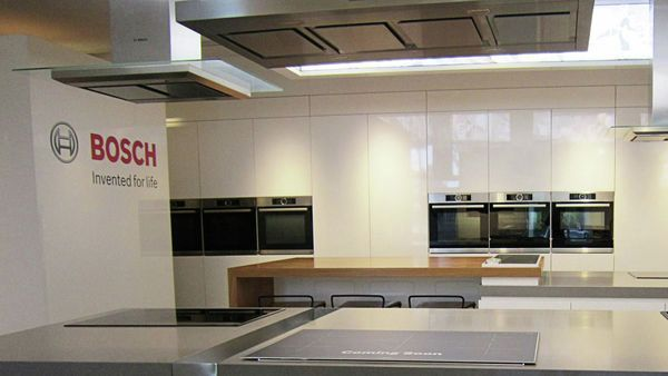 Visit The Bosch Experience Centre Get Expert Tips And Advice To Make A Well Informed Decision On Your New Appliances Kitchen Plans Kitchen Design Kitchen
