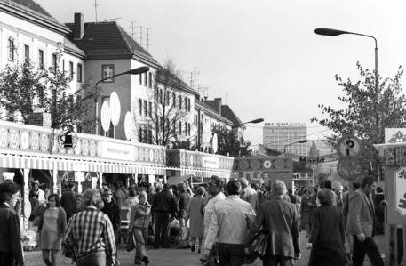 'Konsum Markt in Merseburg' zweite Ansicht von ddrbildarchiv. 30.10.1976