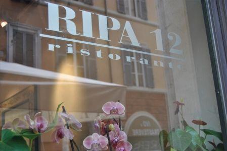 RIPA12 - La nostra cucina A pochi passi da S. Maria in Trastevere nel cuore di Roma, Ripa 12 propone un ambiente accogliente, studiato con attenzione per creare la ...
