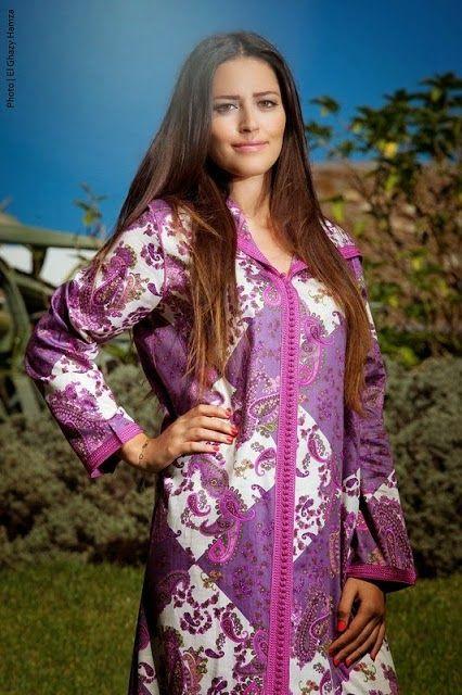 Vente de djellaba marocaine en ligne pour femme et homme, sur le meilleur espace de vente de tenue marocaine de nombreux modèle de couture et parement pour vos festivités. Un excellent modèle de djellaba marocaine femme et djellaba marocaine homme réalisées par les grands tailleurs qui ont passé plusieurs mois pour mettre en place ces …