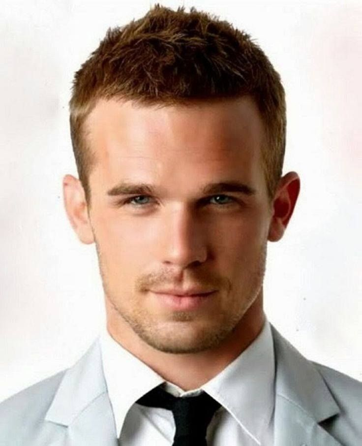 Men Forget The Comb-Over If you're losing your hair a short, cropped style is the best option, keeping it shorter at the sides and longer on top is a good idea as it draws attention away from the thinning areas.