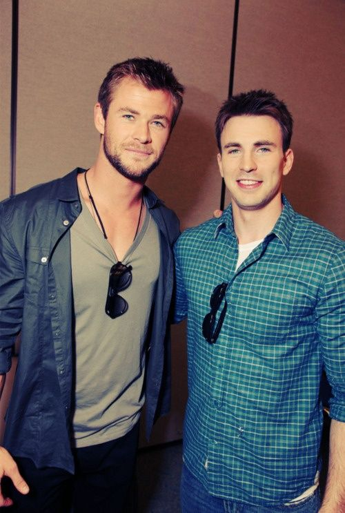 Chris Hemsworth && Chris Evans