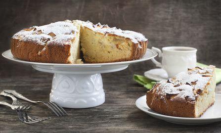 CAKE MOELLEUX AUX POMMES, BAIES DE GOJI & CANNELLE