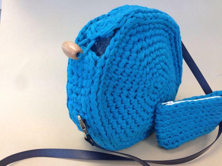 Precioso conjunto de bolso y monedero, súper ligero! Color y tamaño a elegir...ideal para el veranito! A que esperas para pedir el tuyo?