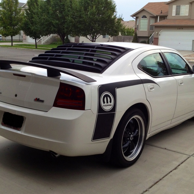 2006 Dodge Charger rear window louvers
