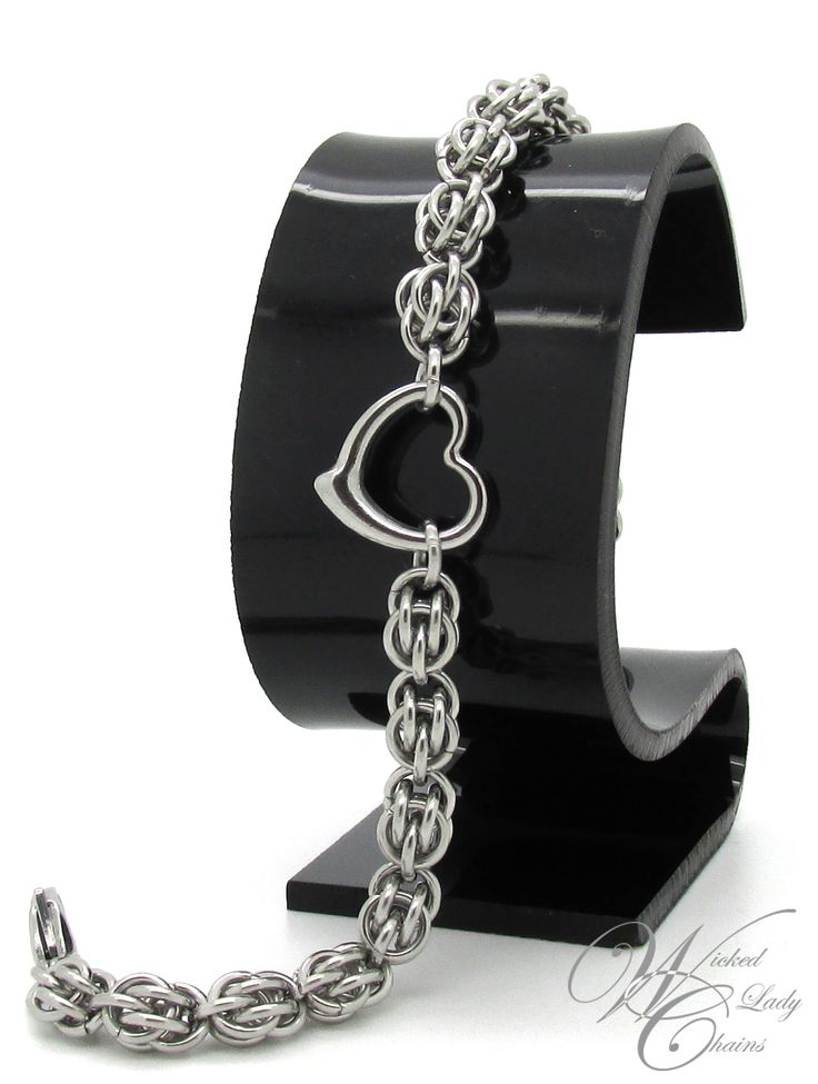 Stainless Steel Sweetpea Chainmaille bracelet with Stainless Steel puffed 3D heart