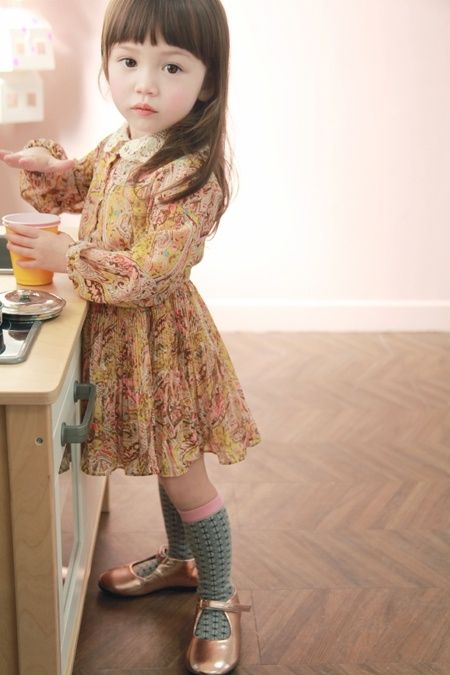 My babygirl will from now on always wear knee-highs , oh its sooo cute