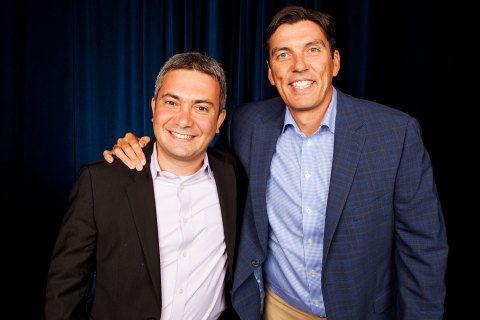 Амир Ашкенази, генеральный директор, Adap.tv (слева) и Тим Армстронг, председатель и генеральный директор AOL (справа) (фото: Бизнес ...