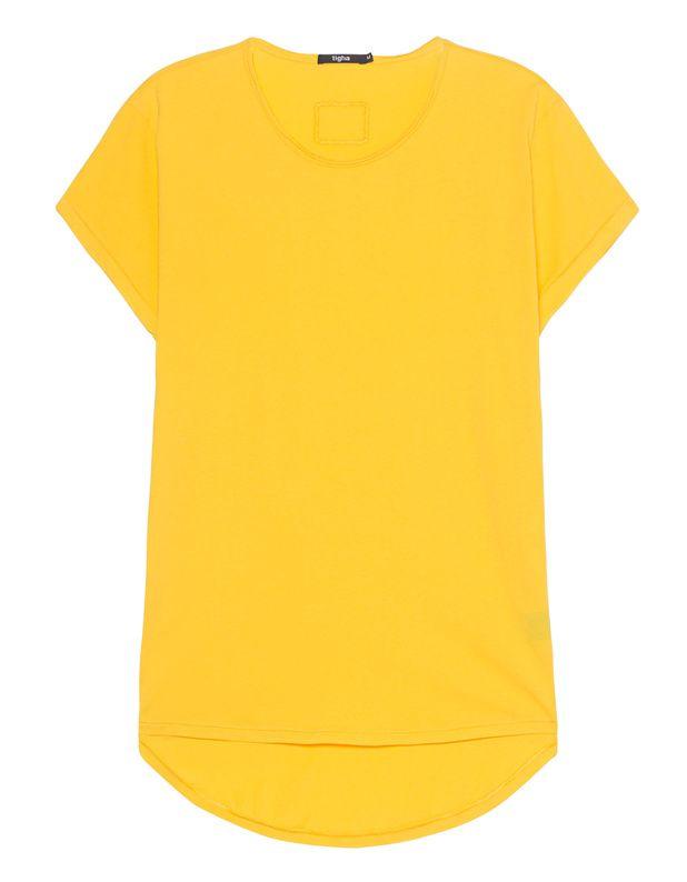 Baumwoll-T-Shirt Gerade geschnittenes gelbes Baumwoll-T-Shirt mit umgeschlagenen Ärmeln, nach hinten abfallendem Saum, Rundhalsausschnitt mit offenem Saum, kleinem gestickten Logo auf der Front sowie kleiner Stickerei am Rücken.  Lässiges Basic-Piece für jeden Tag!