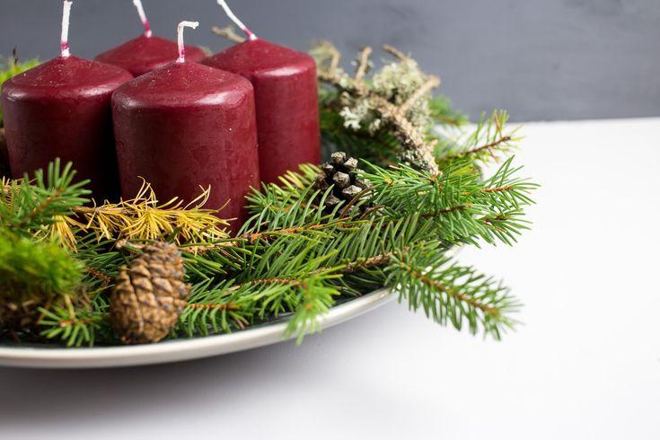 Adventsdeko - moderner Adventskranz - Tellerdeko mit Kerzen - Naturmaterialien - natürlich - einfach - schnell - kostenlos - günstig - weihnachtlich - festlich - DIY - do it yourself - selber machen - basteln - Anleitung