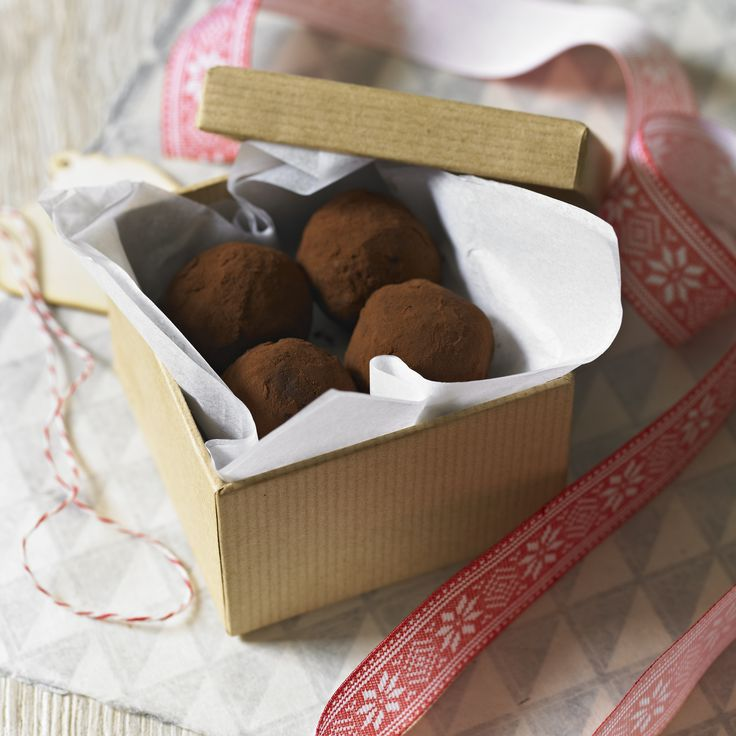The rum and raisin make these little chocolatey bites just divine, they really pack a boozy punch