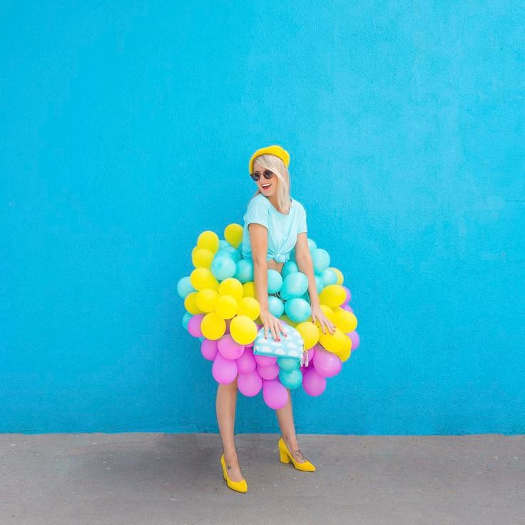 7,695 отметок «Нравится», 58 комментариев — Kelly Mindell (@studiodiy) в Instagram: «Sometimes cool people like @geronimoballoons turn their studios into balloon installations and blow…»