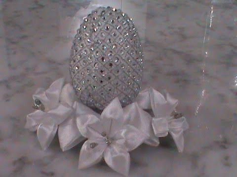 Всем привет! В этом видео я показываю, как своими руками можно сделать красивое Пасхальное яйцо, украшенное цветочками, напоминающими веточку весенней цветущ...