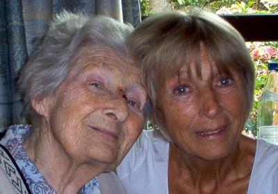 Leen Persijn - verteltheater oa. MIST: mijn moeder en ik - over ervaringen met haar dementerende moeder, openhartig, vaak hilarisch maar vooral puur en schoon gebracht.
