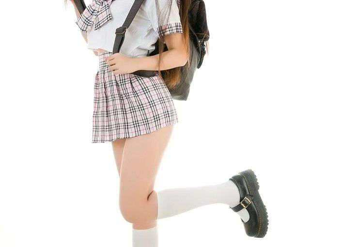 Legal challenge over 'discriminatory' skirts-only policy at school