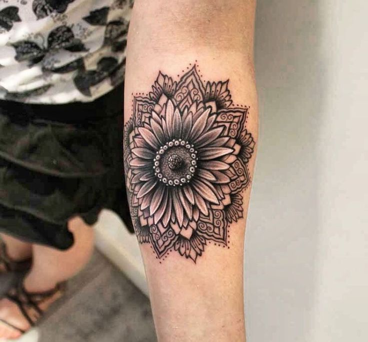 25 Best Ideas About Mandala Tattoo Design On Pinterest: Best 25+ Sunflower Mandala Tattoo Ideas On Pinterest