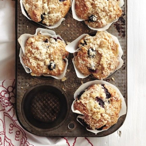 Streusel-crunch blueberry muffins