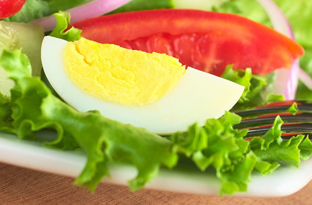 Két hét alatt mínusz 5 – 7 kiló  Nicole Kidman például a Cold Mountain (Hideghegy) forgatása alatt csak főtt tojást evett. Egyszerűen egy tojás volt a reggelije és a két tojást a vacsorája. (Három, ha nagyon