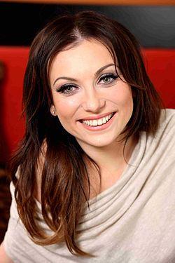 Rúzsa Magdi magyar énekesnő. A TV2 Megasztár című tehetségkutató műsor harmadik szériájának győzteseként vált ismertté