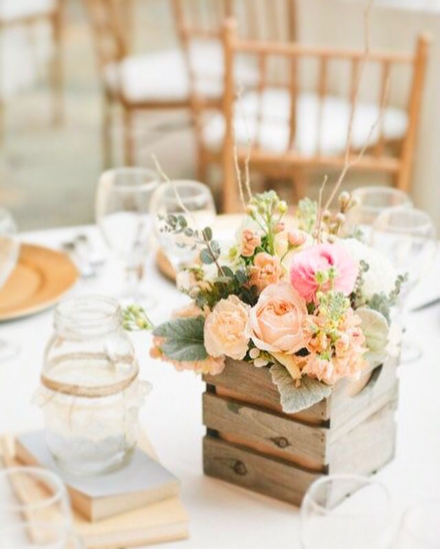 Des #couleur pastels pour nous rappeler le #printemps. #decoroch #deco #décoration #astuce #idée #ideas #events #évènementiel #mariage #wedding #weddingdesign #détails #decor #parfait #fleur #flower #lanterne #lui #elle #love #color #hippie #boho #bohemian #spring #pastel #rose #campagne