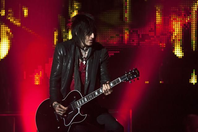 Interview: Richard Fortus Talks Guns N' Roses and The Dead Daisies