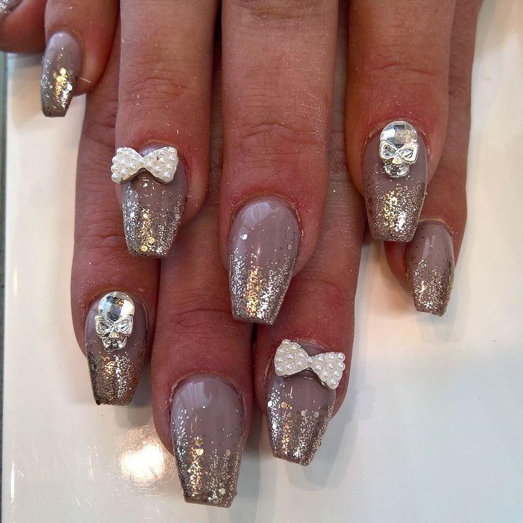 New design on @stine_88 today. #litleskull #nails #nails2inspire #nailswag #nailsofinstagram #nailstagram #nailart #naildesign #nailporn #nailartaddict #nailpromote #gelnails #gelenaglar #gelenegler #norskenegler #moyranails #opi #lcn #lcnnorway #neglerilyngdal #lyngdalsentrum #lyngdalshopping #pinknails #cndshellac #gelcoloropi #nailsdid #nailpro #swarovski @pigmentettattoo by pigmentettattoo
