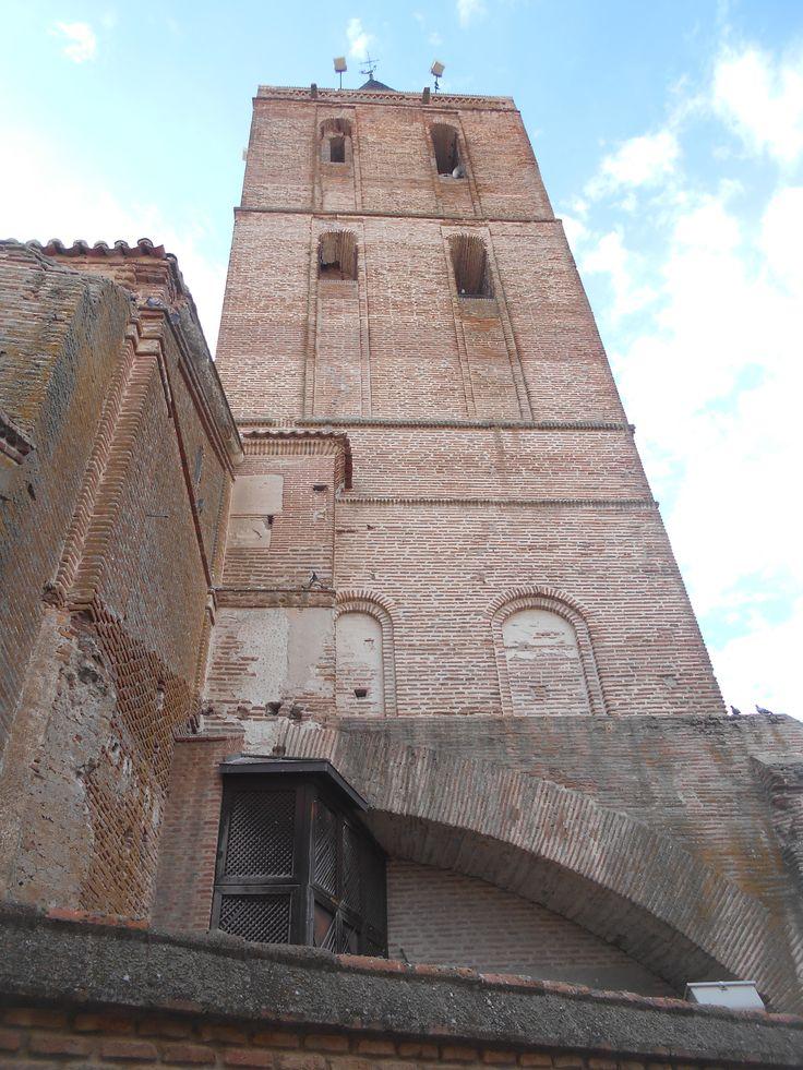 La Torre, la mas alta de Avila ha dado lugar al nombre de Madrigal.