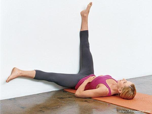 Избавиться от обвисшего живота помогут упражнения, которые выполняются в «статике», то есть необходимо просто в течение 5-30 секунд замереть в