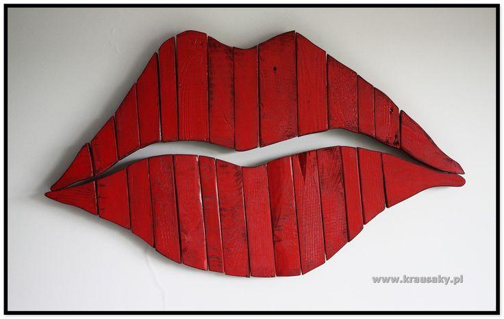 ozdobne usta z drewna shabby rustic diy handmade ozdoba na ścianę wall z desek z palet wood old