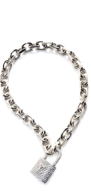 This is a stunning #SilverNecklace. What occasion would we catch you wearing this?