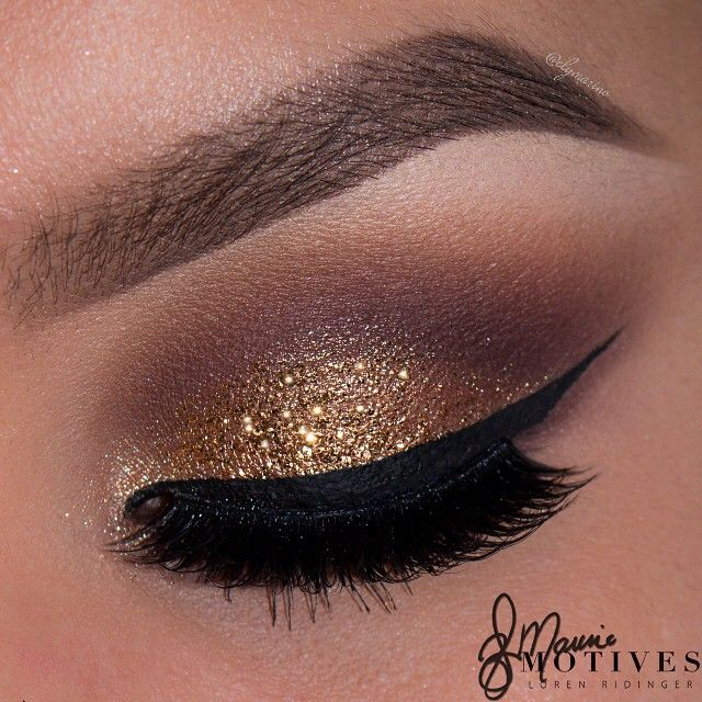 We're so in love with this golden glitter look by Ely Marino using Motives! | motivescosmetics's photo on Instagram
