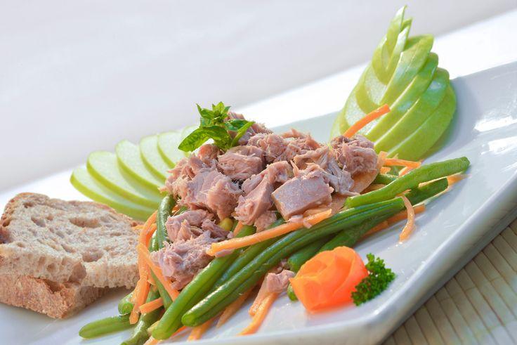 Insalata di tonno, fagiolini e mais