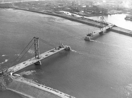 EXPO 67 - Le pont de la Concorde - bâtit en 1965 pour l'exposition universelle de 1967. Voir lien pour historique.