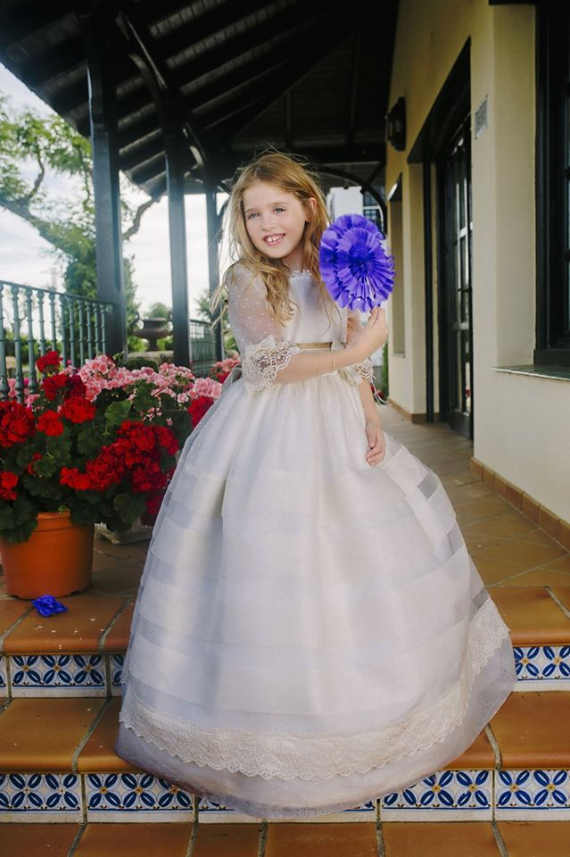 catalogo vestidos de comunión para niña 2017 de la marca periquetta