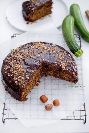 Orzechowe ciasto z cukinią