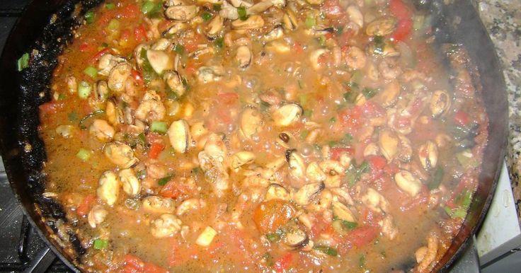 Fabulosa receta para Cazuela de mariscos al disco de arado. Manjar si los hay !!!!!